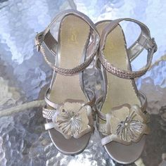 Decree Sandals Fun summer sandals, only worn twice! Decree Shoes Sandals