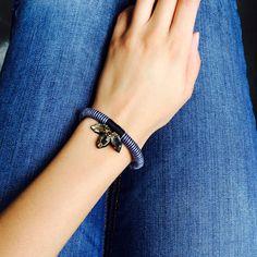 Smoky Quartz and Blue Bracelet por CoralandStone en Etsy