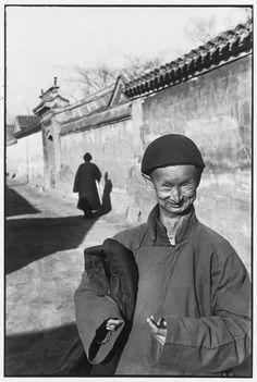 121clicks.comHenri Cartier-Bresson - Inspiration from Masters of Photography - 121Clicks.com