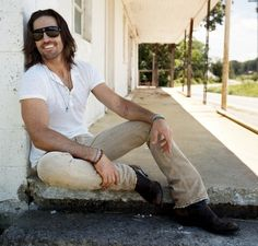 Exclusive interviews, up-to-date news, videos and podcasts for country music fans across the globe. Country Music News, Country Music Artists, Country Singers, Country Jam, Country Boys, Country Strong, Country Life, Country Living, Jake Owen