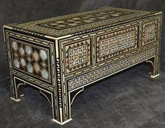 Mother of pearl inlaid jewelry box... Sedef işlemeli mücevher sandığı...