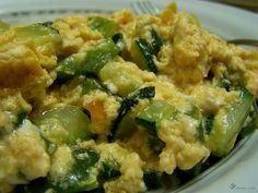 CO POTREBUJETE:     2 vajicka   kusok cukety   kusok zelenej papriky   3 struciky cesnaku   stipka mleteho cierneho korenia   1 lyzi...