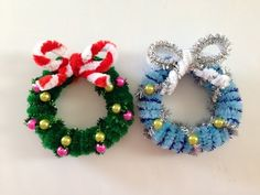 This is my second Pipe Cleaner wreath tutorial, I made a slight modification here. This tutorial is similar to my other pipe cleaner Christmas wreath tutoria. Dyi Crafts, Fun Crafts For Kids, Christmas Crafts For Kids, Xmas Crafts, Homemade Christmas, Christmas Diy, Christmas Ornaments, Creative Crafts, Christmas Tree Headband
