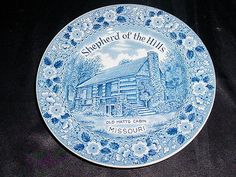 Shepherd of The Hills Missouri Old Matts Cabin Blue & White Collector  Plate