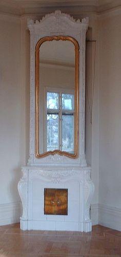 File:Kakelugn med spegel.JPG