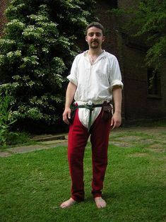 14th Century Split Hose- Finally a picture of what hose/braise would look like for our men!