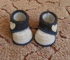 Babyschuhe mit Herzchen , *Handarbeit *gehäkelt* in Baby, Kleidung, Schuhe & Accessoires, Schuhe | eBay!