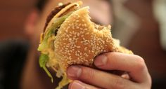 """Vědci zjistili, že """"západní dieta"""" urychluje rozvoj Alzheimerovy choroby"""
