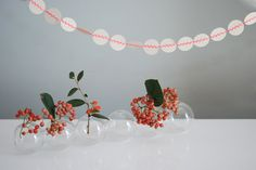 """""""Pastilles ZIGZAG"""" handmade paper garland - styling and photo © Mi-avril"""