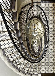 This spiral staircase is so fun... and the black and white tile? Gorgeous. /ES #polkadotpeacock