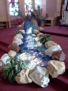 Awesome River display - would love this in my classroom! Classroom Displays, Classroom Decor, Birthday Display In Classroom, Vacation Bible School, Camping Theme, Luau, Sunday School, Party Themes, Backdrops