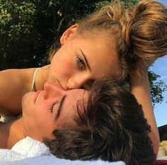 """""""Magic is everywhere if you know where to look"""" ⇉ los personajes n… #detodo # De Todo # amreading # books # wattpad Cute Couples Photos, Cute Couple Pictures, Cute Couples Goals, Couple Goals, Couple Photos, Teen Couples, Relationship Goals Pictures, Cute Relationships, Boyfriend Goals"""