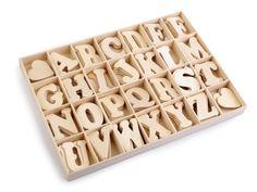 Samolepící+dřevěná+písmena+Dřevěná+písmena+v+krabicizobrazují+celou+abecedu.+Můžete+s+nimi+ozdobit+dveře+dětského+pokoje,+skříně+apod.+Z+rubu+mají+lepicí+pásku.+Abeceda+i+krabice+je+vyrobená+z+překližky.+Písmenka+jsou+uložená+v+jednotlivých+přihrádkách+po+4+ks.Celkem+je+v+krabici+104+písmen+a+8+srdíček.+Tloušťka+písmenek+je+1,6+mm.+Šířka:1,5+-3,2+cm...