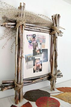 DIY RUSTIC PHOTO FRAME - Rustic home decor makes any space cozier! Give it even more warmth with an easy, inexpensive DIY Rustic Photo Frame using simple, affordable supplies like twigs and twine. diy home pictures Diy Home Decor On A Budget, Easy Home Decor, Handmade Home Decor, Cheap Home Decor, Diy Rustic Decor, Rustic Theme, Rustic Signs, Diy Home Supplies, Diy Simple