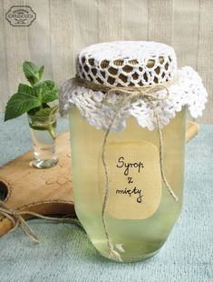 Syrop z mięty 1 litr wody 15 długich, świeżych… na Stylowi.pl Fruit Recipes, Cooking Recipes, Healthy Recipes, Natural Medicine, Herbal Medicine, Christmas Food Gifts, Polish Recipes, Non Alcoholic Drinks, Cocktails