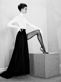 Karlie Kloss #whiteandblack