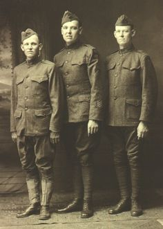 Google Image Result for http://www.gunandgame.com/forums/attachments/powder-keg/40462d1304219721-help-identify-military-uniform-alphonseewaldhubert_wwi.jpg