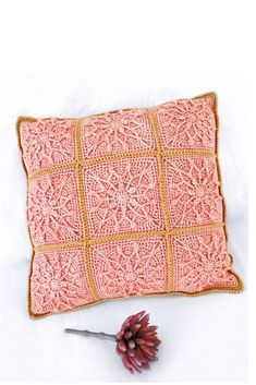 This gorgeous pattern was designed by Ana Morais from One Skein of Love 💕 Crochet Designs, Crochet Patterns, Star Cushion, Crochet Cushions, Little Star, Twinkle Twinkle, Throw Pillows, Photo And Video, Stars