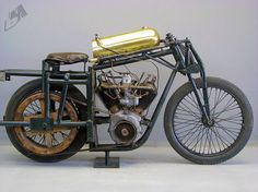 vintage bike des tages: 1925 anzani v-twin rennrad Steampunk Motorcycle, Motorcycle Types, Motorcycle Jackets, Antique Motorcycles, Custom Motorcycles, Indian Motorcycles, Custom Bikes, Vintage Bikes, Vintage Cars