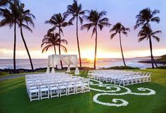 Best Hawaii Ceremony Backdrops {Hawaii Wedding Inspiration} » Modern Weddings Hawaii Destination Bride Inspiration Hawaii Wedding Vendors