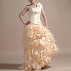 i fall in love with every dress i see <3