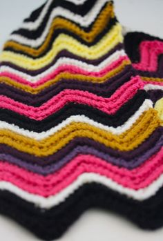 chevron scarf - with crochet pattern
