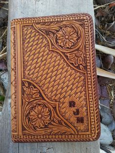 Hand tooled leather tablet case Any by FeatherRiverLeather on Etsy Leather Stamps, Leather Art, Leather Books, Custom Leather, Leather Tooling, Tooled Leather, Tandy Leather, Handmade Leather, Leather Jewelry