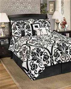 Damask Pattern Bedding Set