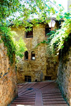 San Gimignano, Tuscany, Italy.  Stepping back in time into the small walled medieval hill town in the province of Siena.