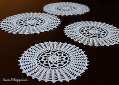 Doily crochet; 100 % cotton Maxi 10 and Aida 15; diameter 19 - 28 cm