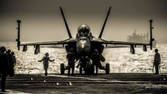 [Photo] Aboard USS George H.W. Bush: the aircraft carrier that launched first airstrikes against ISIS in Iraq