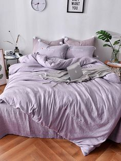 Letter Print Sheet Set -SheIn(Sheinside) Letter Print Sheet Set -SheIn(Sheinside) Click The Link For See Lilac Room, Lavender Room, Purple Bed Sheets, Purple Comforter, Twin Xl Bedding, Bedding Sets, Room Ideas Bedroom, Bedroom Decor, Purple Bedrooms