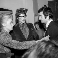 Catherine Deneuve, Yves Saint Laurent et Jean Claude Brialy le 29 Janvier 1968. Getty Images.