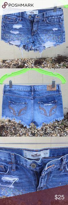 Embellished Hollister short Super cute embellished hollister short in perfect condition size 25. Hollister Shorts Skorts