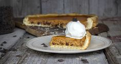 Sweet Potato Pie by greek chef Akis. Amazing tart with sweet and crunchy dough and delicious, smooth filling of sweet potato, spices and chocolate bites. Healthy Desserts, Fun Desserts, Pie Recipes, Sweet Recipes, Sweet Potato, Potato Pie, Potatoes, Sweets, Chocolate