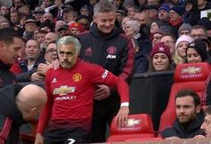 This Rugby 2019, Football Jokes, League Memes, Premier League Champions, Manchester United Football, Europa League, Funny Thoughts, Chelsea, Funny Pictures