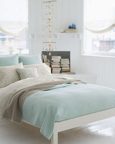 Mint White Bedroom Theme