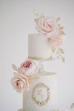 Sugar Flowers, Fun Desserts, Cake, Pie Cake, Pastel, Cakes, Cookie