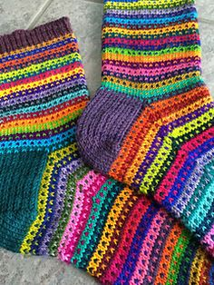 Crochet Cardigan Pattern, Knit Crochet, Lots Of Socks, Drops Patterns, Owl Hat, Cool Socks, Knitting Socks, Mittens, Ravelry