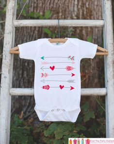 Kids Valentines Day Outfit - Valentines Onepiece - Novelty Valentine Shirt with . Kids Valentines Day Outfit – Valentines Onepiece – Novelty Valentine Shirt with Arrows for Baby Toddler Valentine Shirts, Valentines Day Shirts, Valentines For Kids, 4th Of July Outfits, Kids Outfits, Holiday Outfits, Valentine's Day Outfit, Outfit Of The Day, Outfit Des Tages