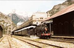 Estacion de Canfranc, tren especial con la locomotora Aragón -18.04.1996 - Foto L. Ortiz