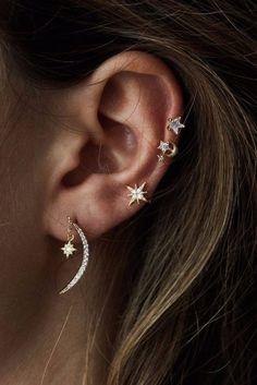 Rue Gembon Driellie - Golden Star and Moon Ear . Rue Gembon Driellie – Golden Star and Moon Earcuff Ear Jewelry, Cute Jewelry, Jewelery, Jewelry Accessories, Jewelry Ideas, Unique Jewelry, Jewelry Model, Cartier Jewelry, Delicate Jewelry