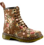My feet would rebel against boots, but this would be cute for a more comfy shoe!