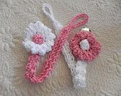Items similar to Crochet Pacifier Clip.Paci Clip on Etsy Crochet Baby Bibs, Crochet Baby Clothes, Love Crochet, Crochet For Kids, Crochet Flowers, Knit Crochet, Loom Knitting, Baby Knitting, Crochet Crafts
