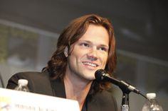 SUPERNATURAL star Jared Padalecki speaks to a fan's question during the show's panel at Comic-Con 2012 (© WBEI. All Rights Reserved.)