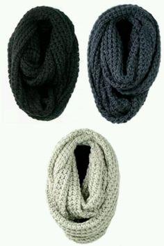 Knit scarves light grey or black