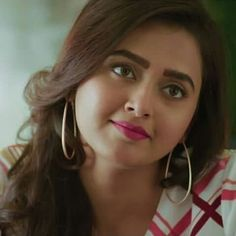 Beautiful One, Beautiful Pictures, Indian Actresses, Actors & Actresses, Tejaswi Prakash, Alia Bhatt Cute, South Indian Actress, Cute Images, Beauty Queens