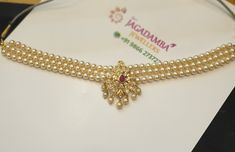 Stunning pearl choker with south sea pearl hangings. Gold Pearl Necklace, Gold Choker, Pearl Choker, Pearl Jewelry, Gold Jewelry, Gold Buttalu, Nose Ring Jewelry, Gold Jewellery Design, Gold Accessories