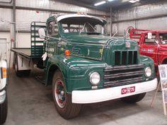 International truck | International Harvester R190 truck
