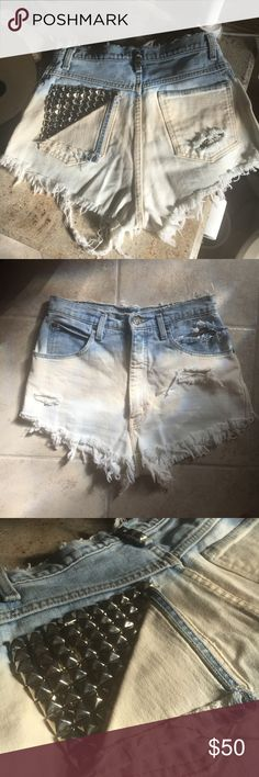 🌻Festival Shorts🌻 Handmade by me! High waist, frayed, acid washed & studded 🌼🌸 Shorts Jean Shorts
